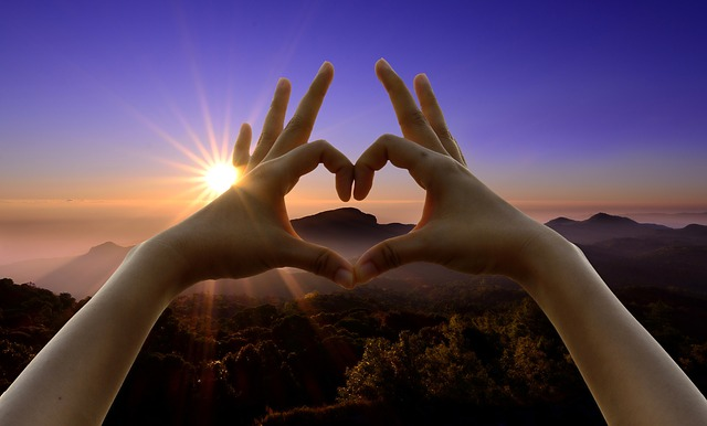 love-sign-950912_640.jpg