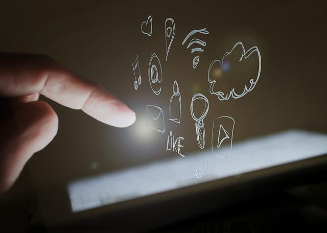 touch-screen-1023966_640.jpg